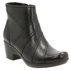 Clarks Black Leather Ankle Bootie Malia Marny